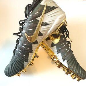 Men's Nike football cleats Sz 14-NEW!